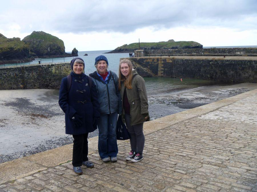 02-Nicole-Caz-and-Jess-at-Mullion-Cove