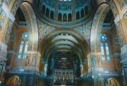 BM-RH-Inside-Lisieux-Basilica