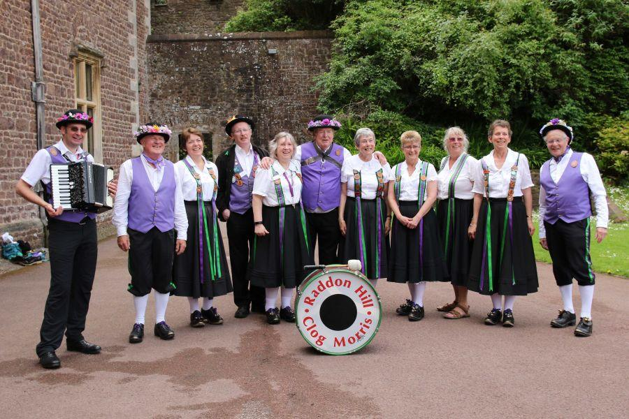 Raddon-Hill-Somerset-weekend---Dunster-Castle-4-Group-Photo-DL