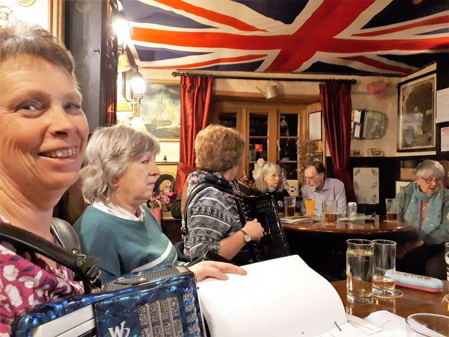 20180313203445-Session-at-Royal-Oak-Ideford-March-2018