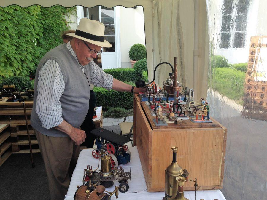 Ay-2018---Steam-engine-demonstration-at-Champagne-House-Andre-Roger